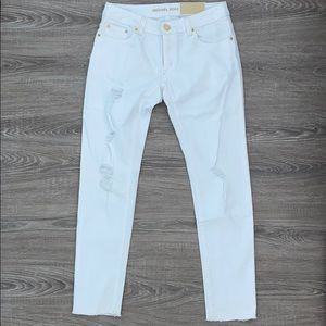 ❤️Michael Kors white distressed skinny denim jeans